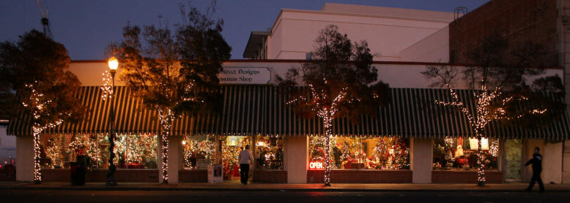 Christmas Lights Fountain Valley
